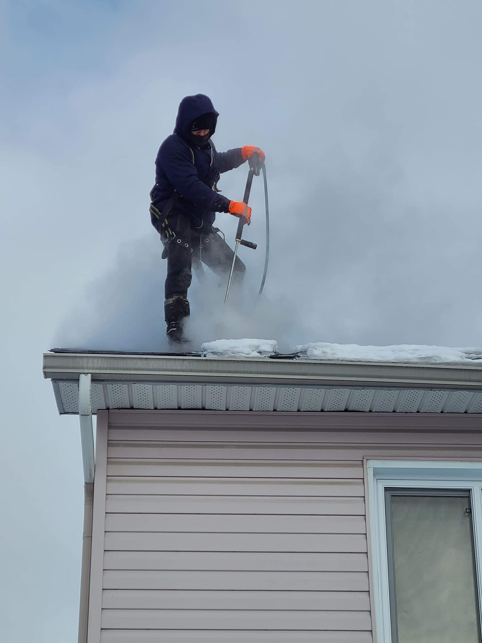 Déglaçage de toiture à la vapeur